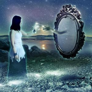 dream-mirror-dreams-can-come-true-31082814-900-900
