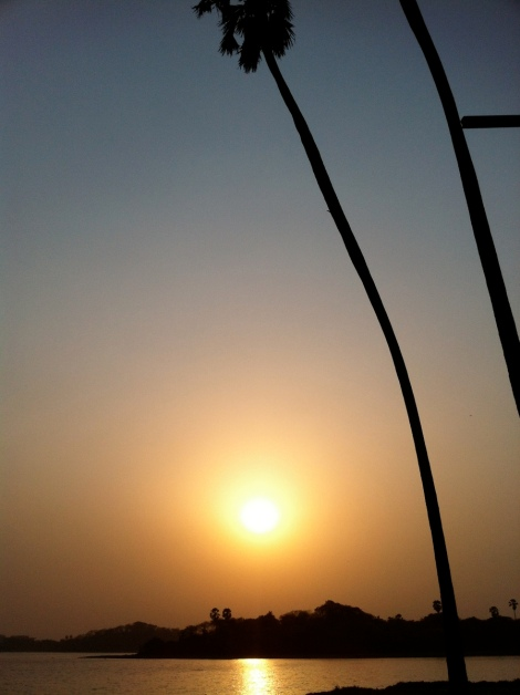 1-sunset_at_powai_lake